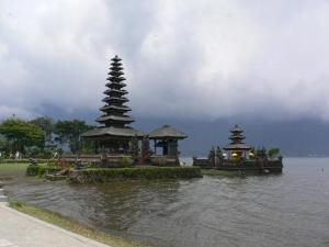 Beratan Lake Temple